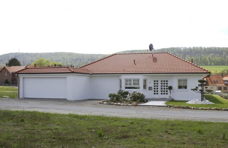 bungalow mit 120 m auf einer ebene. Black Bedroom Furniture Sets. Home Design Ideas